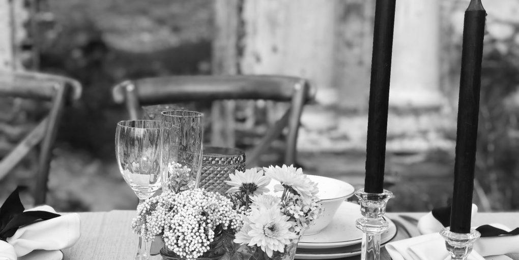 Centros de mesa para bodas sencillos.